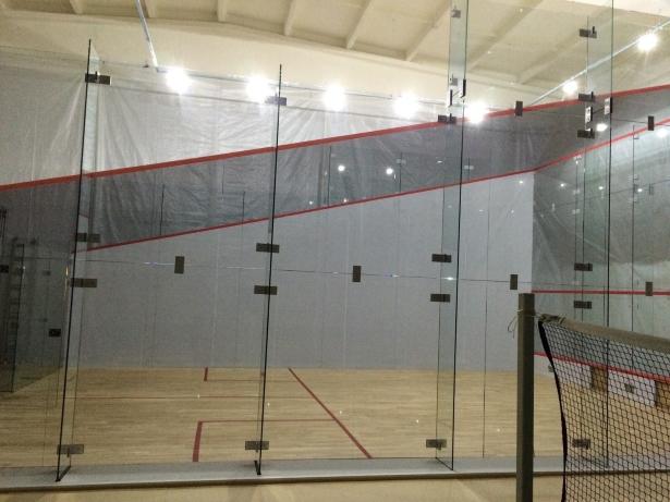 I Squash Brasov - primul teren de squash din sticla din Romania