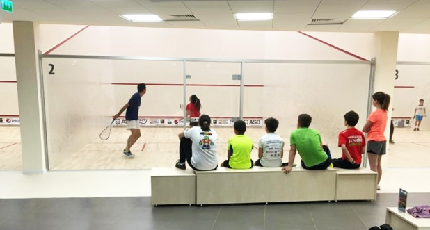 infinity sport arena copiii joaca squash