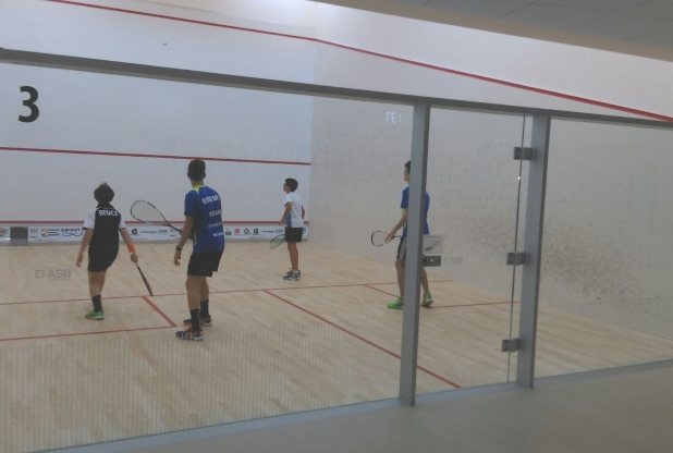 Program cei mai buni 12 juniori la squash