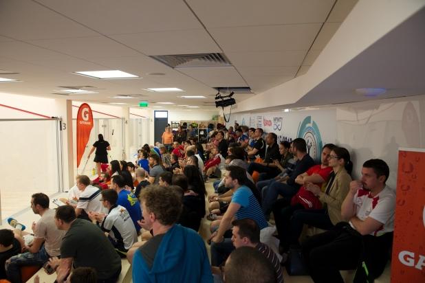 frs consulta comunitatea jucatorilor de squash