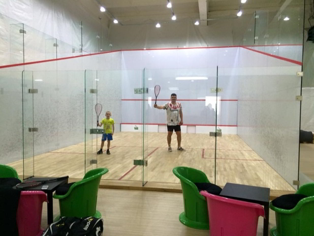 teren-de-squash-din-sticla-la-brasov